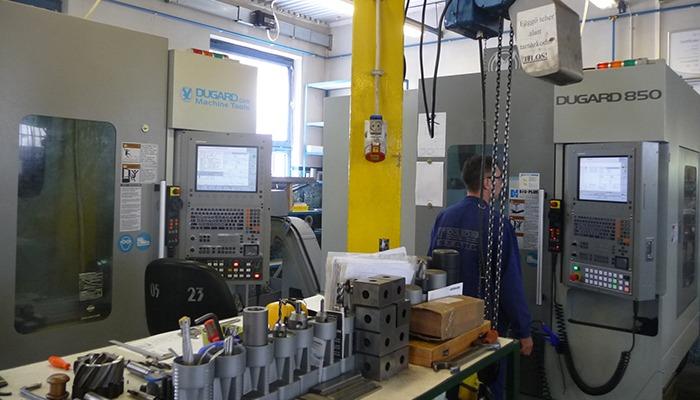 CNC Megmunkálóközpont és Darabolóautomata Beszerzés